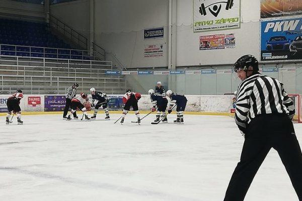Začali chladiť ľad na zimnom štadióne. Prvý domáci zápas bude už tento mesiac