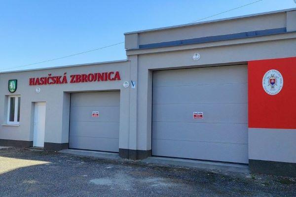 Veľké Teriakovce majú zrekonštruovanú hasičskú zbrojnicu